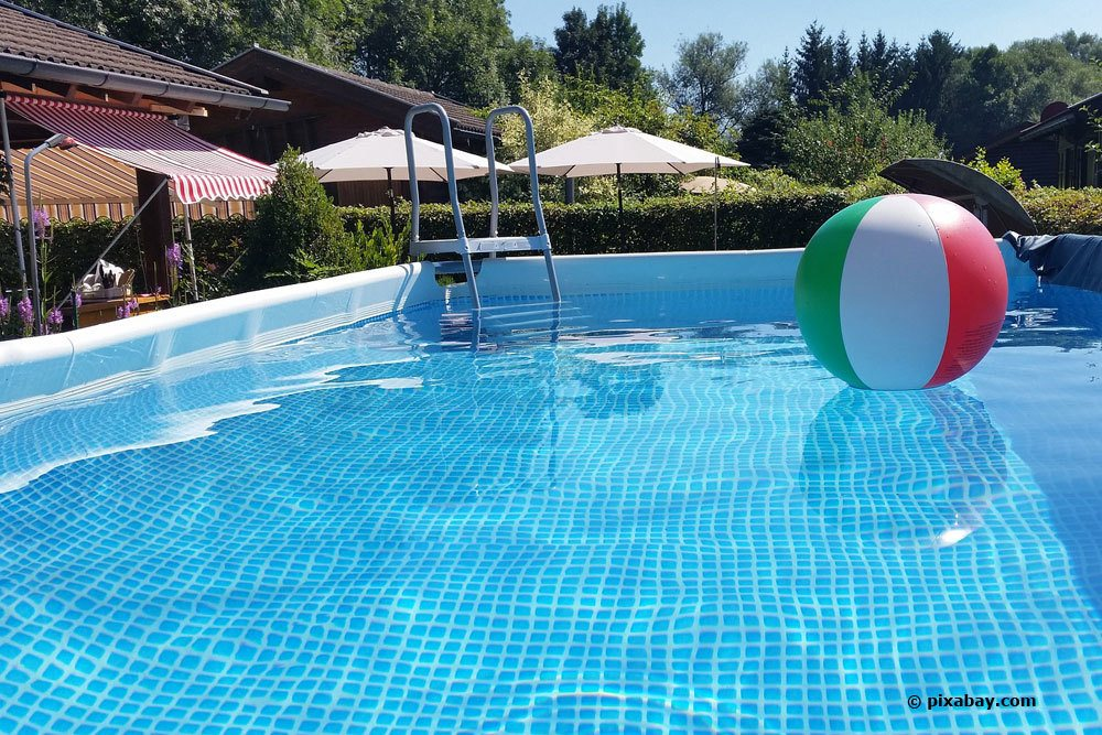 Poolwasser im Gartenpool