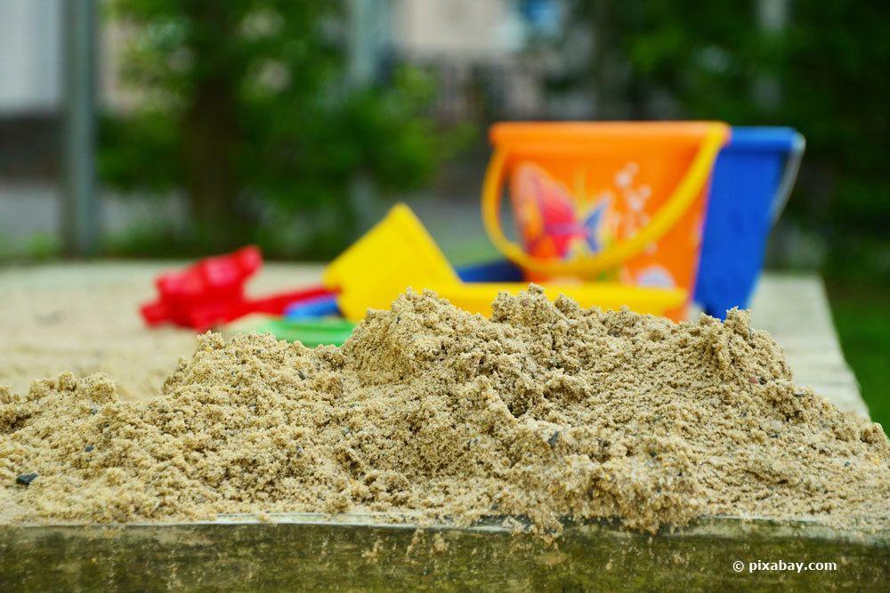 Spielsand aus Sandkasten