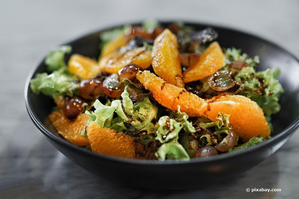 Salat mit Calamondin-Orange