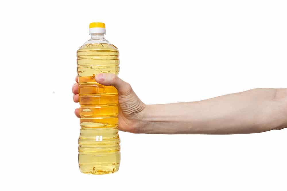 Pflanzenöl um Klebereste zu entfernen