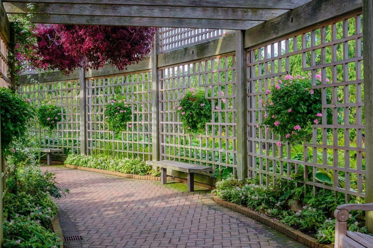 Einfriedungen für den Garten